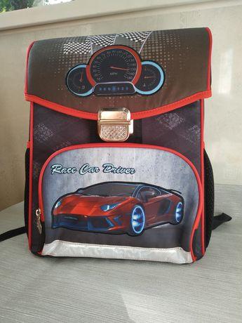 Рюкзак, ранец каркасный, школьный с ортопедической спинкой