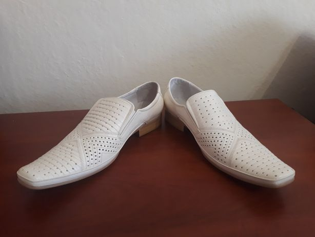 Туфли новые. Размер 40.