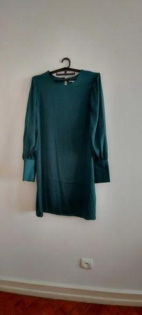 vestido acetinado verde água da marca La Redoute
