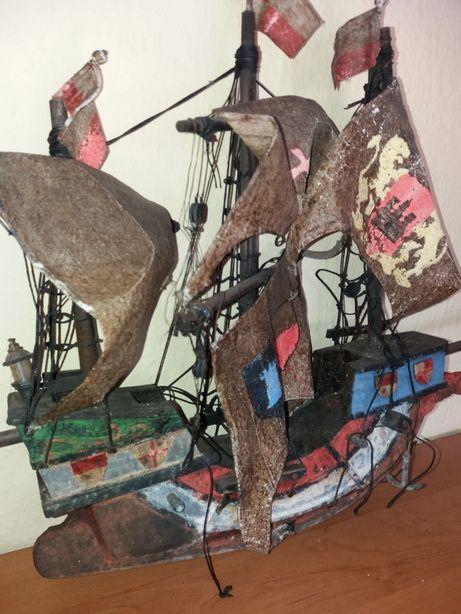Unikatowy stary statek - rękodzieło