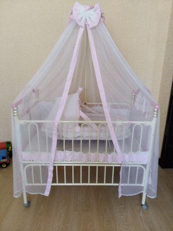 Продам детскую кроватку GEOBY (5000 руб.)
