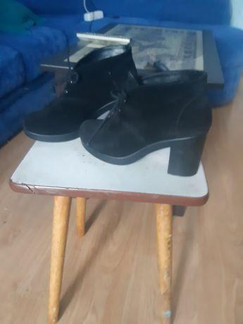 Продам ботинки, ботильоны, замш, зимние