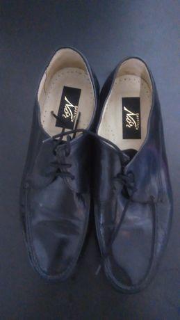 Sapato de cordão para homem em pele preta