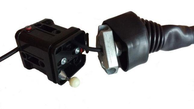 Joystick do ładowacza czołowego Ursus Zetor TUR TUZ z przyciskiem