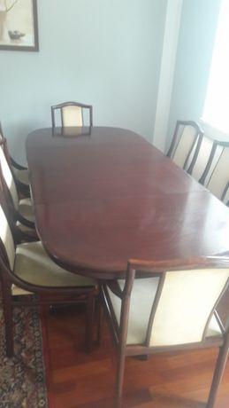 Stół z 8 krzesłami firmy lubke