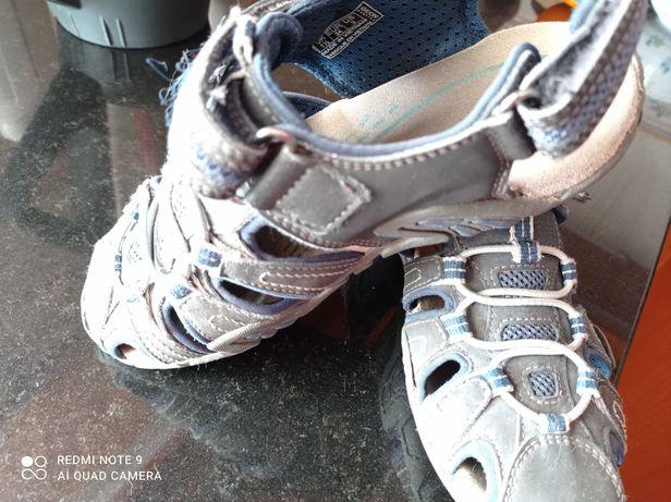 Sandálias da marca geox