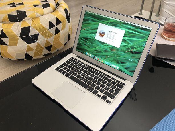 Komputer macbook air