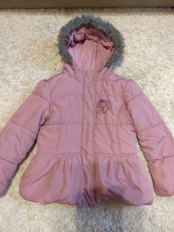 Куртка осінь на 5-6 років