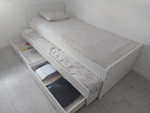 Cama dupla com 2 estrados, 2 colchões e 2 gavetas de arrumação