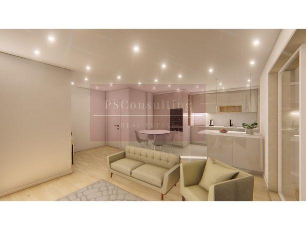 Apartamento T2 a renovar na Quinta do Marquês em Oeiras.