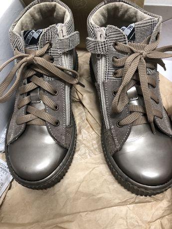 Детские ботинки 29 размер кожа / замш вставки. Итальянские