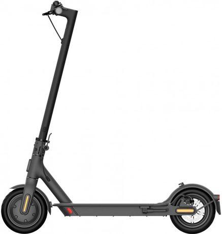 Электросамокат Xiaomi Mi Electric Scooter Essential Black БУ