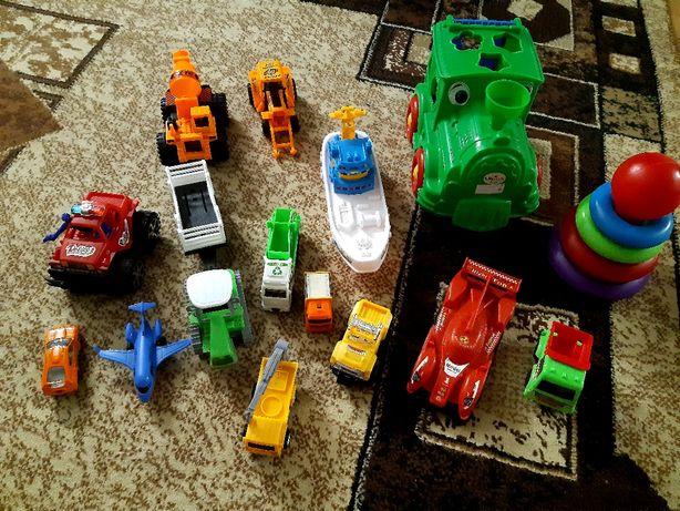 Пакет игрушек машинки пирамидка