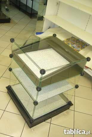 Estetyczna szklana lada z szufladą