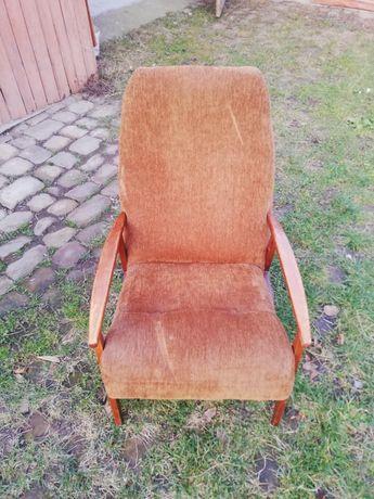 Крісла відпочивальні у доброму стані