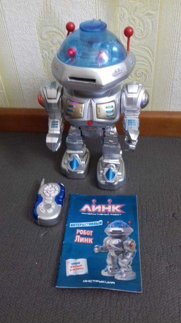 """Детский интерактивный робот """"Линк""""."""
