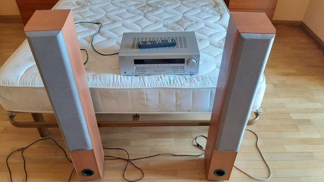 Rádio e amplificador com colunas