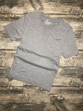 НОВАЯ Мужская базовая футболка Reebok Рибок