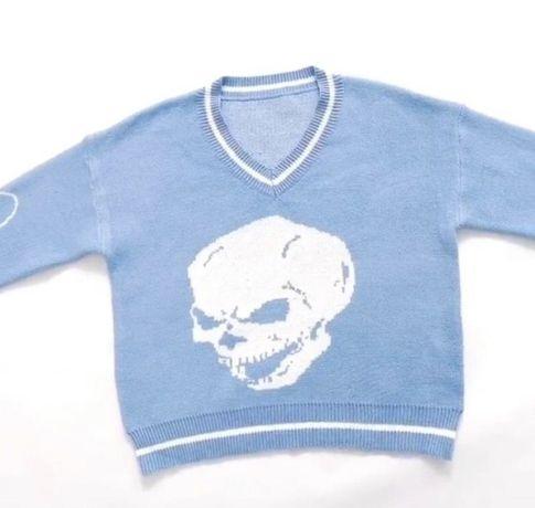 свитер с черепом