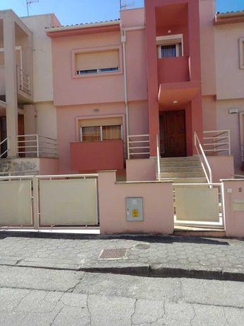Moradia V4 (no centro da cidade de Chaves)