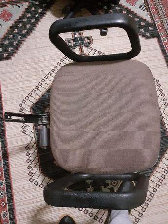 Компьютерный стул/кресло под разборку на запчасти