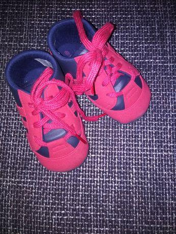 Топіки,кросівочки для самих маленьких