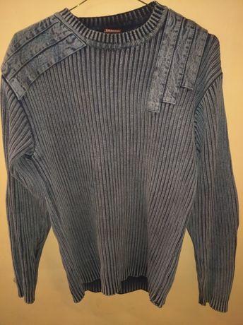 Продам свитр джинсовый не дорого.