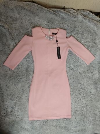 Новое облегающее платье с биркой,размер S,цвет пудра