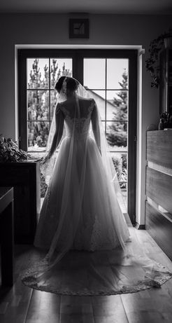 Suknia ślubna 36/38 litera A kremowa brzoskwiniowa