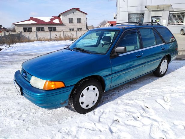 Продам Ford escort 1.9 lx американец.