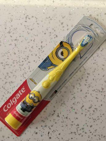 Отменная детская зубная щетка. Детская зубная щетка