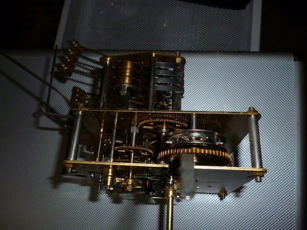 Máquina de relógio de parede para recuperação