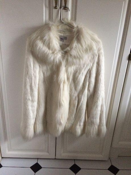 Białe futerko kurtka f. Asos r. 36 S nowe