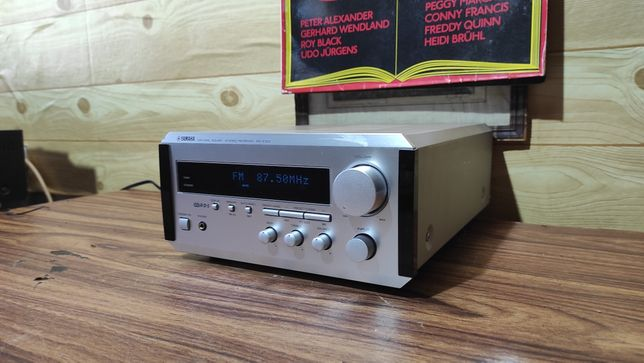 Стерео Ресивер / Усилитель Yamaha RX-E100