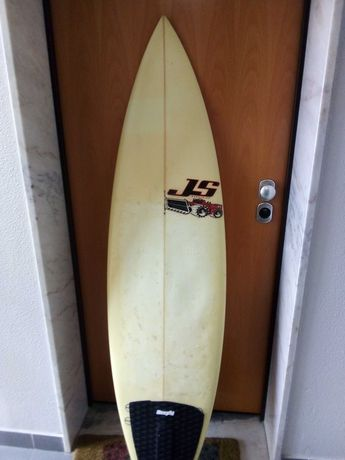 Prancha de surf JS em epoxy 5,11