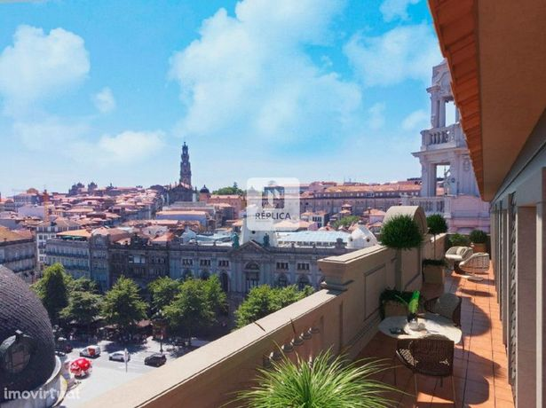 Apartamento T2 novo de luxo, no centro Histórico do Porto