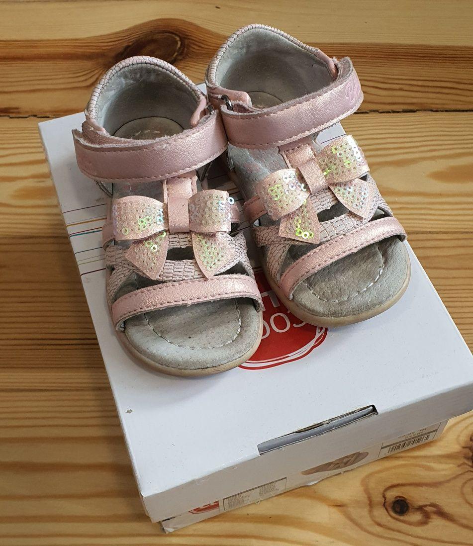 Sandałki różowe dla dziewczynki rozmiar 20 wkładka 13cm Smyk