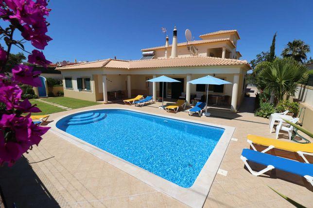 Villa espetacular com apartamentos independenteS T1 & T2 em ALBUFEIRA