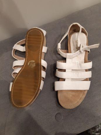 Unisa skórzane sandały 38