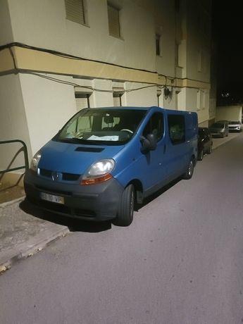 Renault tráfico ano 2003 de  6 lugares  1.9 100cv