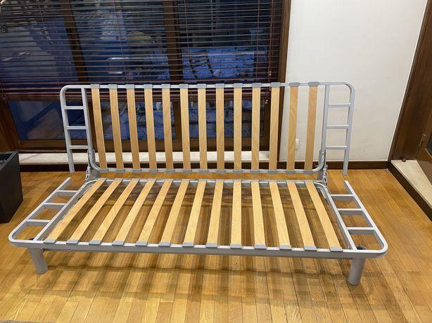 Sofa cama em boas condicoes