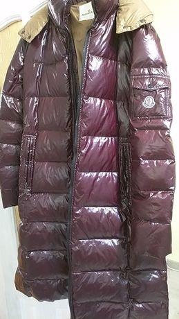Куртка жіноча Moncler.