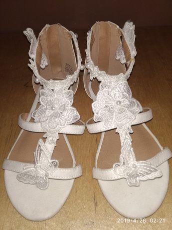 Святкові босоніжки сандали