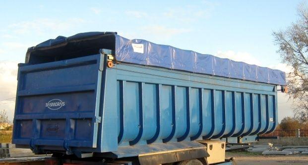 Lona Usada - tamanho de um reboque, serve para coberturas lenha, obras