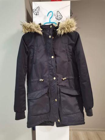 Nowa kurtka dziewczęca