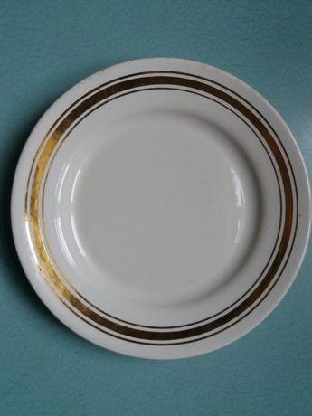 Продам тарелки 10 шт