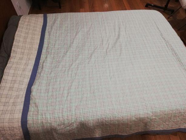 Coberta cama de solteiro