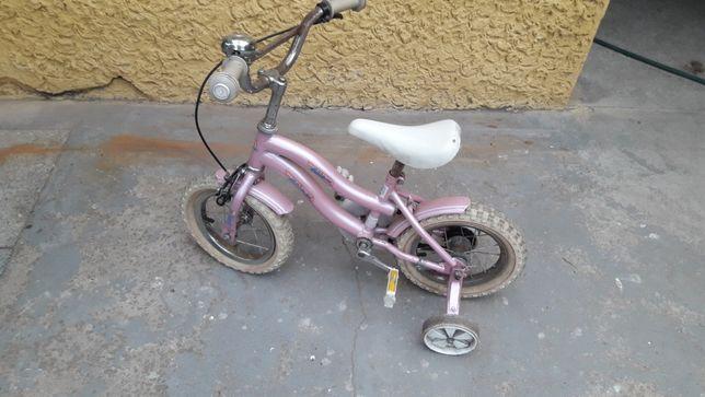Rowerek dla dziewczynki.