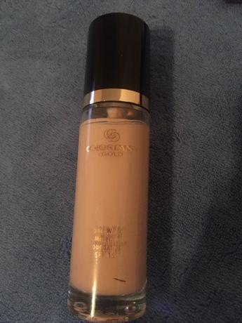 Podkład mineralny Giordani Gold Long Wear SPF 15