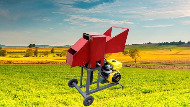 Веткоруб измельчитель веток дров до 100 мм и обрези бензиновый